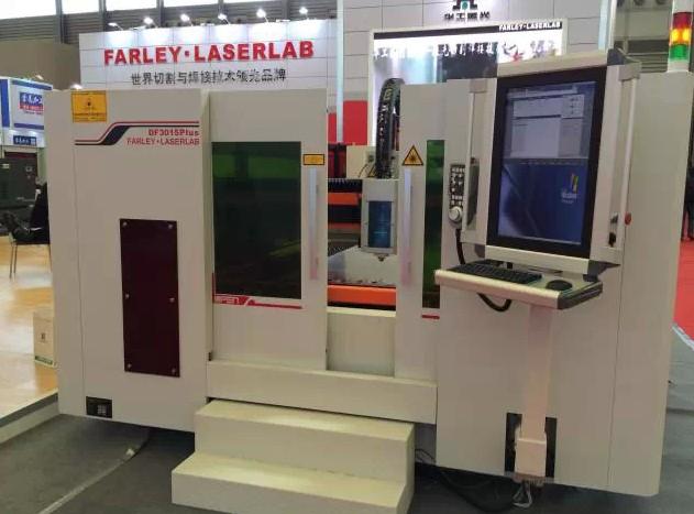 DF3015Plus光纤激光切割机
