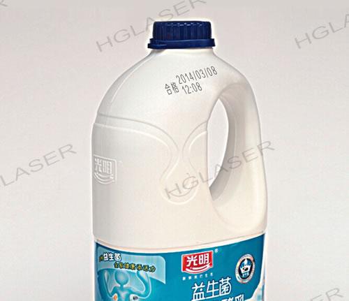 乳制品瓶身激光打标