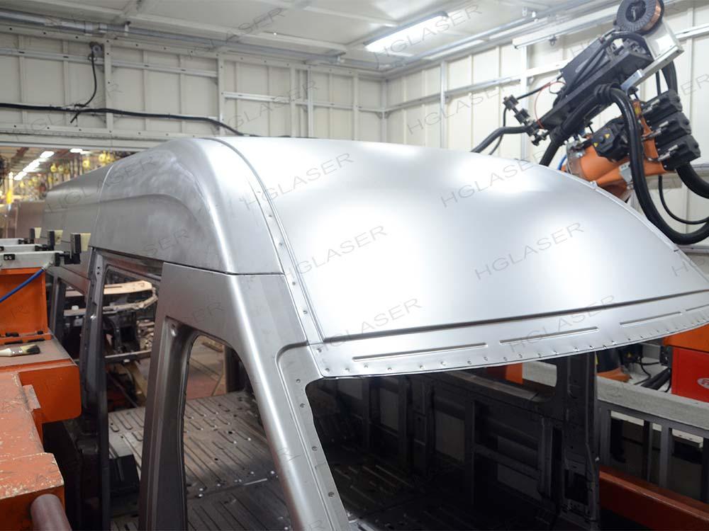 白车身顶盖焊接
